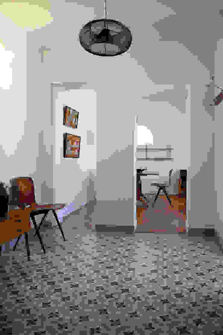 Hall Couloir, entrée, escaliers classiques par Créateurs d'Interieur Classique