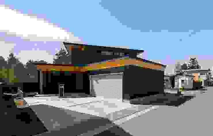 Casas de estilo ecléctico de STaD(株式会社鈴木貴博建築設計事務所) Ecléctico