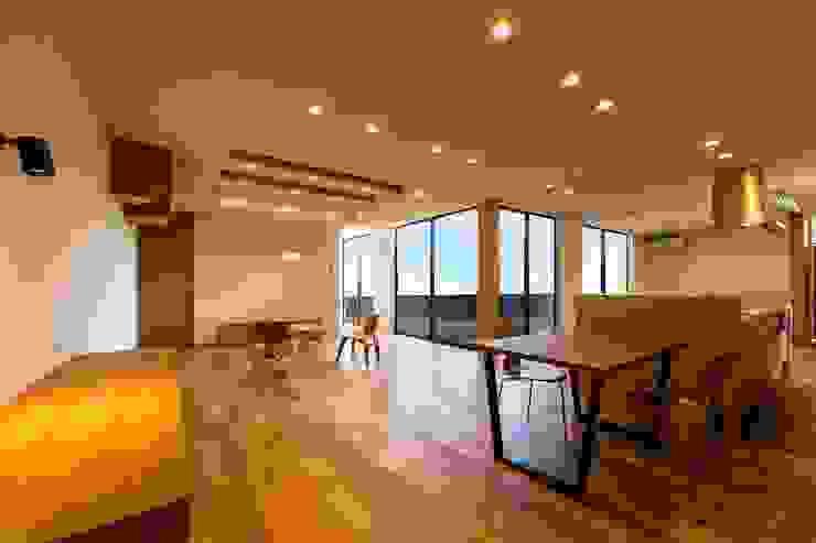 STaD(株式会社鈴木貴博建築設計事務所) Eclectic style dining room