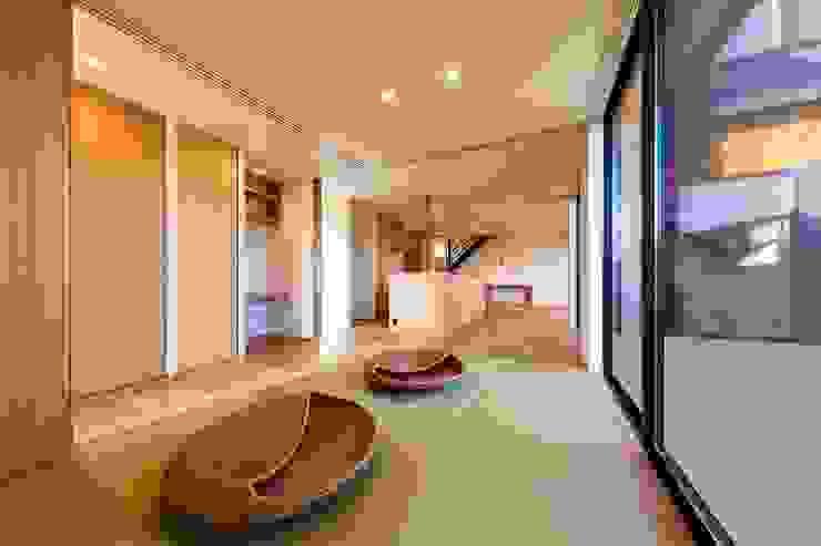 STaD(株式会社鈴木貴博建築設計事務所) Eclectic style media rooms