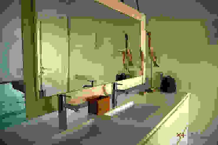 Ванна кімната by Xmas Arquitectura e Interiorismo para reformas y nueva construcción en Barcelona,
