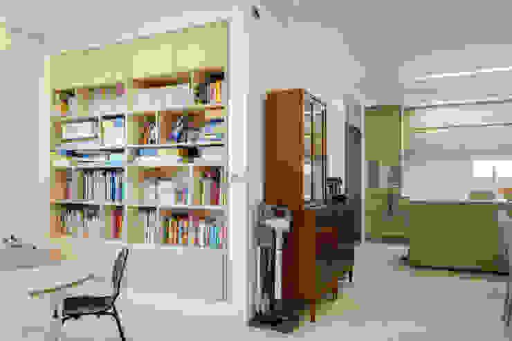 Salon de style  par 인우건축사사무소, Moderne