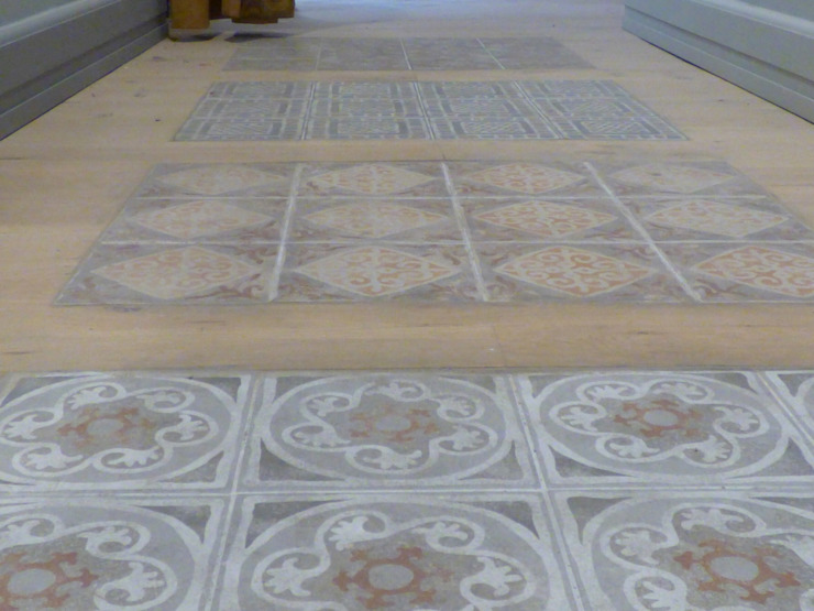 Ceramic Insert in a Wooden Floor. Classic hotels by ARTE DELL' ABITARE Classic