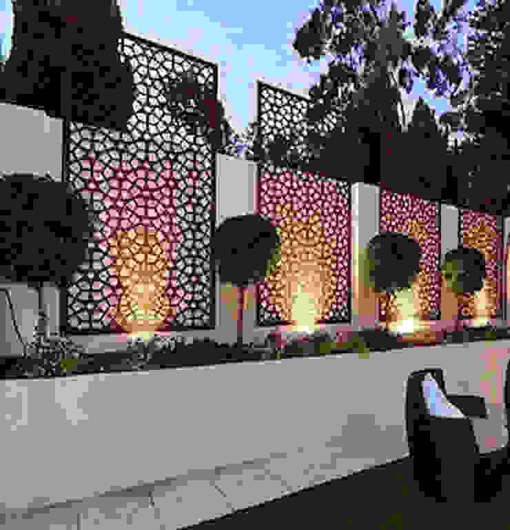 Asian style garden by Ontech Asian