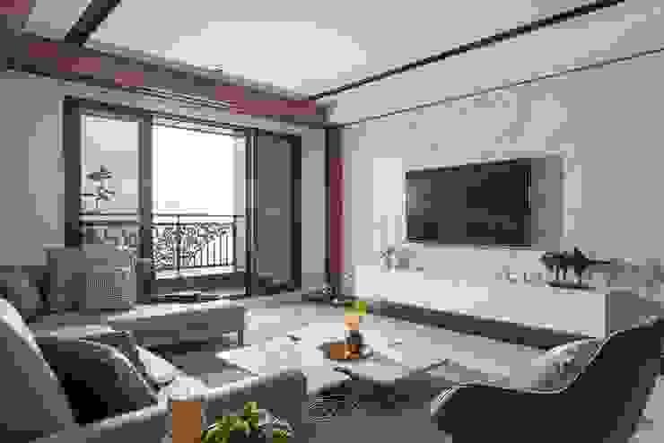 水波 ‧ 靜謐 现代客厅設計點子、靈感 & 圖片 根據 層層室內裝修設計有限公司 現代風