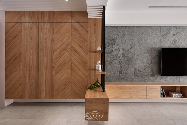 Modern Corridor, Hallway and Staircase by 層層室內裝修設計有限公司 Modern