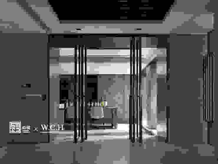 淬鍊光域 現代風玄關、走廊與階梯 根據 森境室內裝修設計工程有限公司 現代風