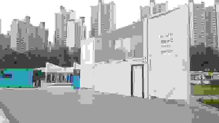 한강 '사각사각 플레이스' (2017) 인더스트리얼 스타일 쇼핑 센터 by 한성모듈러(주) 인더스트리얼