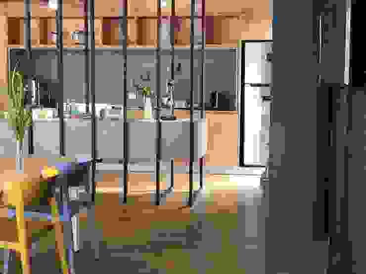 Espacio comunitario   Cocina Comedor de Tumburus Lucas - Diseño y Arquitectura Interior Industrial Hierro/Acero