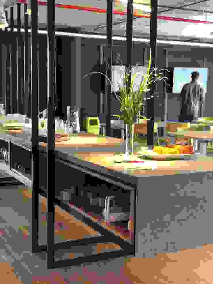 Detalle de Tumburus Lucas - Diseño y Arquitectura Interior Industrial Hierro/Acero