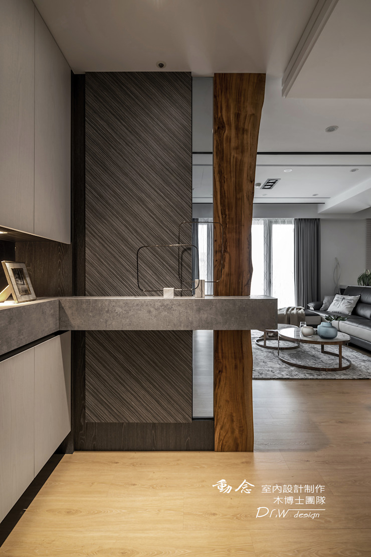 Koridor & Tangga Modern Oleh 木博士團隊/動念室內設計制作 Modern