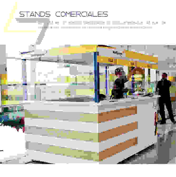 Diseño y fabricación de stands comerciales:  de estilo industrial por Arte ligero colombia, Industrial