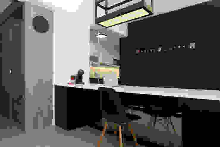 Dining Area Monoloft Minimalist dining room Black
