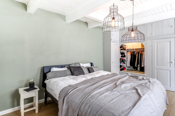 Habitaciones de estilo  por MIRA Interieur & Meubelontwerp,