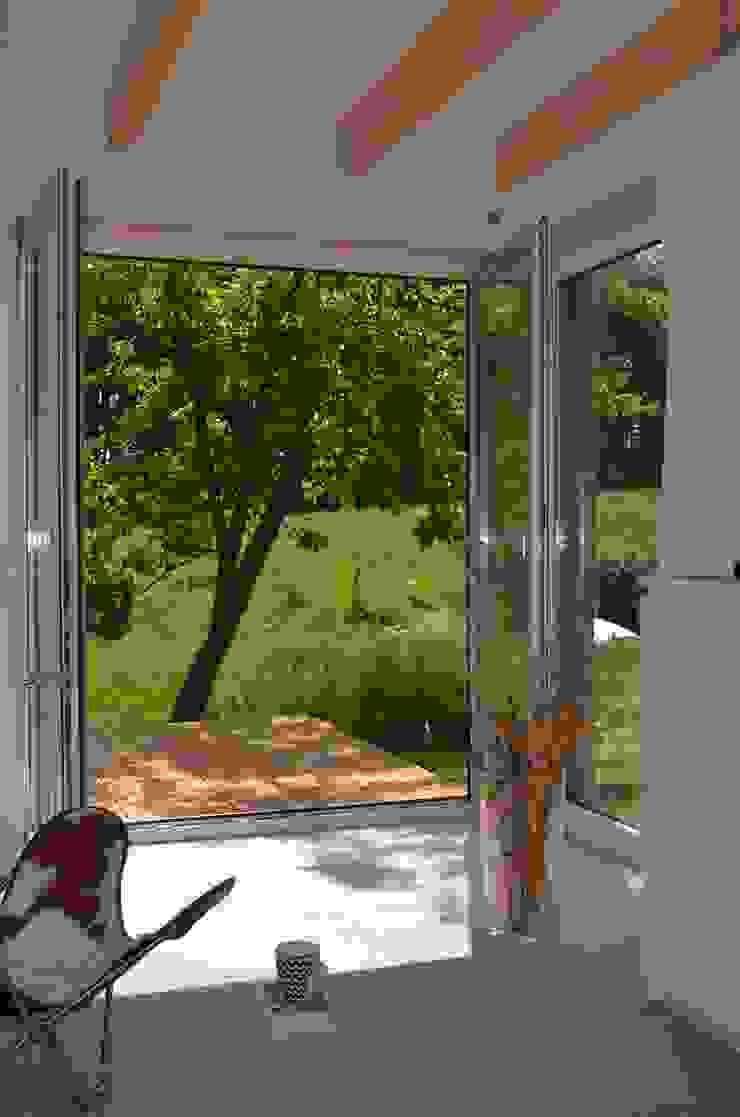Außenbezug Moderne Wohnzimmer von gondesen architekt Modern Holz Holznachbildung