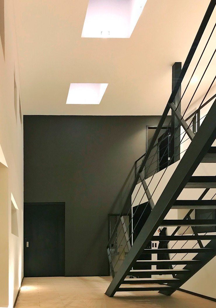 Hall Entrada Pasillos, vestíbulos y escaleras modernos de BUVINIC ARQUITECTURA Moderno