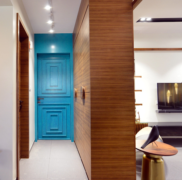 Harmony of Shades Modern corridor, hallway & stairs by Space It Up Modern