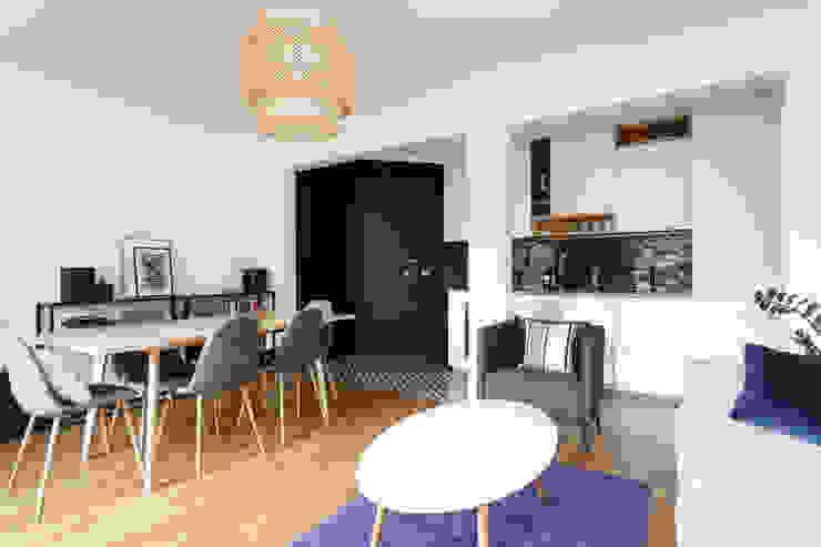 Cuisine et salon ouvert Salon scandinave par Mon Plan d'Appart Scandinave