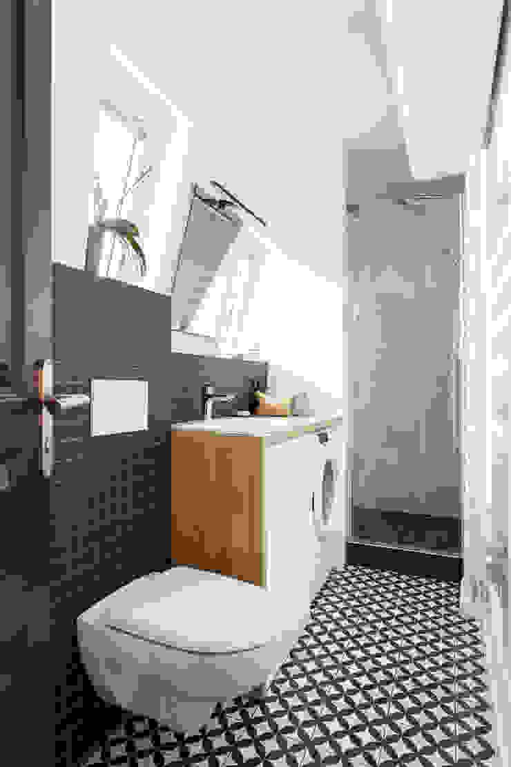 salle de bain noir et blanche Salle de bain scandinave par Mon Plan d'Appart Scandinave