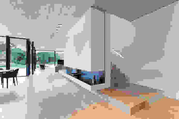 FFM-ARCHITEKTEN. Tovar + Tovar PartGmbB 现代客厅設計點子、靈感 & 圖片