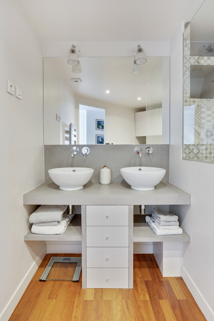 Agence KP Modern bathroom