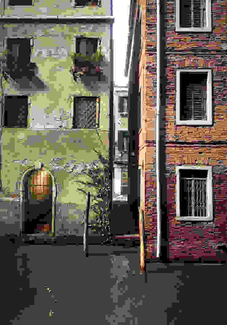 PIXANI STUDIOS Classic style houses
