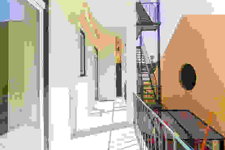 Klassischer Balkon, Veranda & Terrasse von HOUSE PHOTO Klassisch