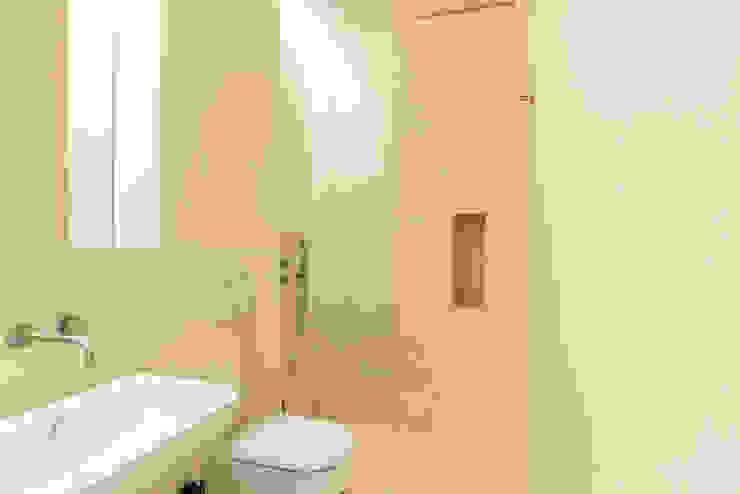 Minimalistische Badezimmer von HOUSE PHOTO Minimalistisch