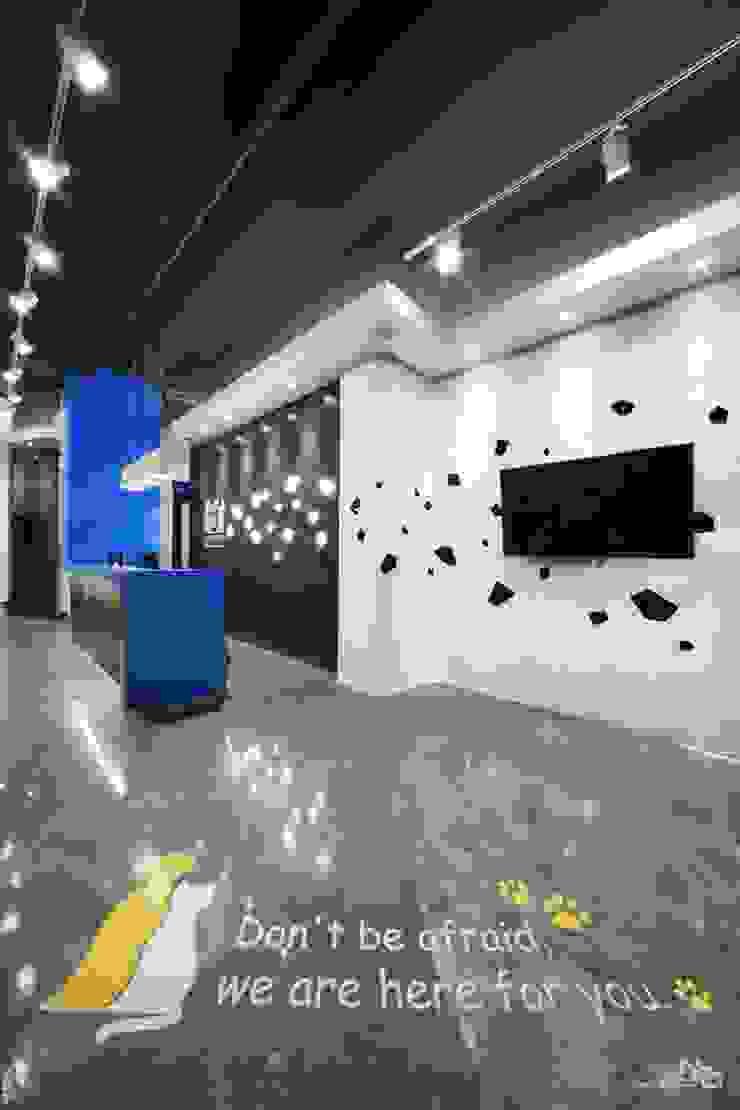 대기공간 모던 스타일 병원 by 내츄럴디자인컴퍼니 모던