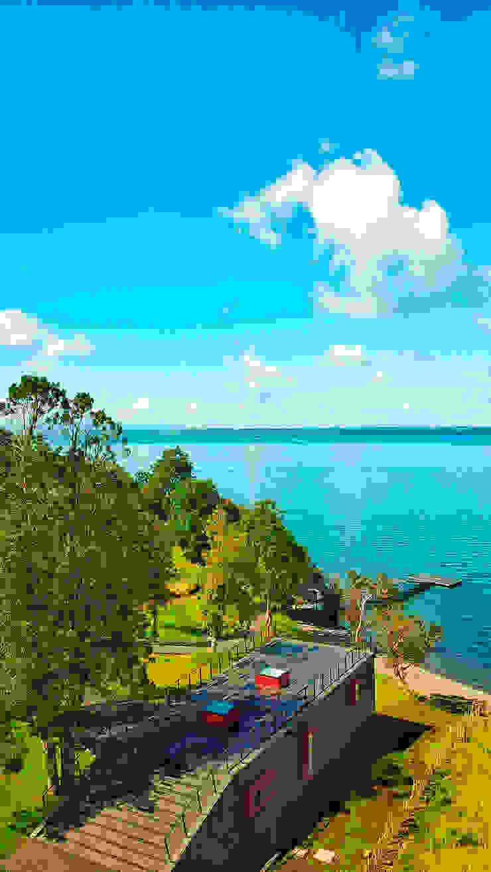 Quincho Lago Puyehue de BUVINIC ARQUITECTURA Moderno