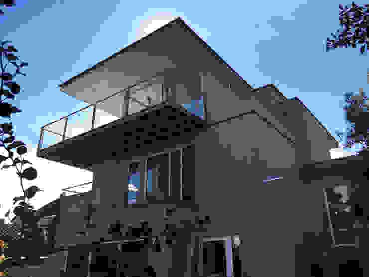 Modern Houses by ESTUDIO SUSTENTABLE Modern