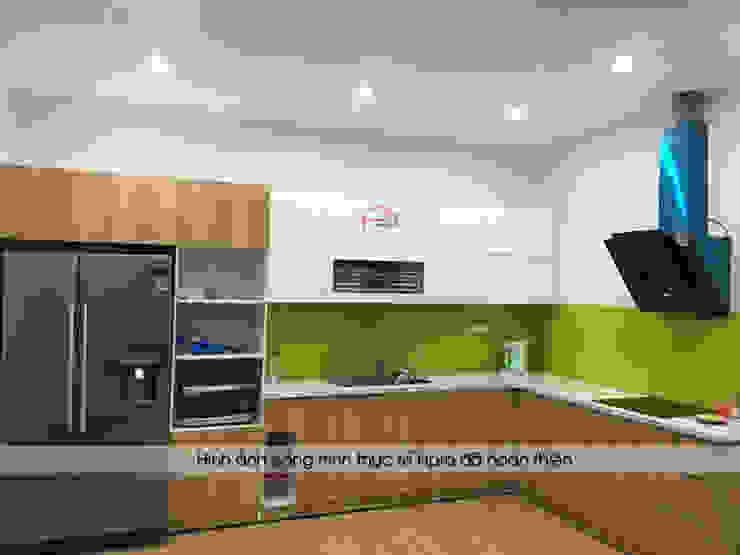 Hình ảnh thực tế mẫu tủ bếp gỗ acrylic kết hợp laminate nhà chị Hương - Trung Văn: hiện đại  by Nội thất Hpro, Hiện đại