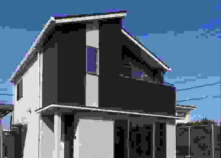 『 通り土間のあるsumai 』 Live Sumai - アズ・コンストラクション - 木造住宅 黒色