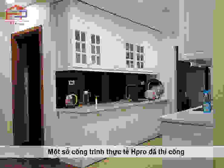 Hình ảnh thực tế bộ tủ bếp gỗ công nghiệp tân cổ điển nhà chị Hoa - Kim Giang: scandinavian  by Nội thất Hpro, Bắc Âu