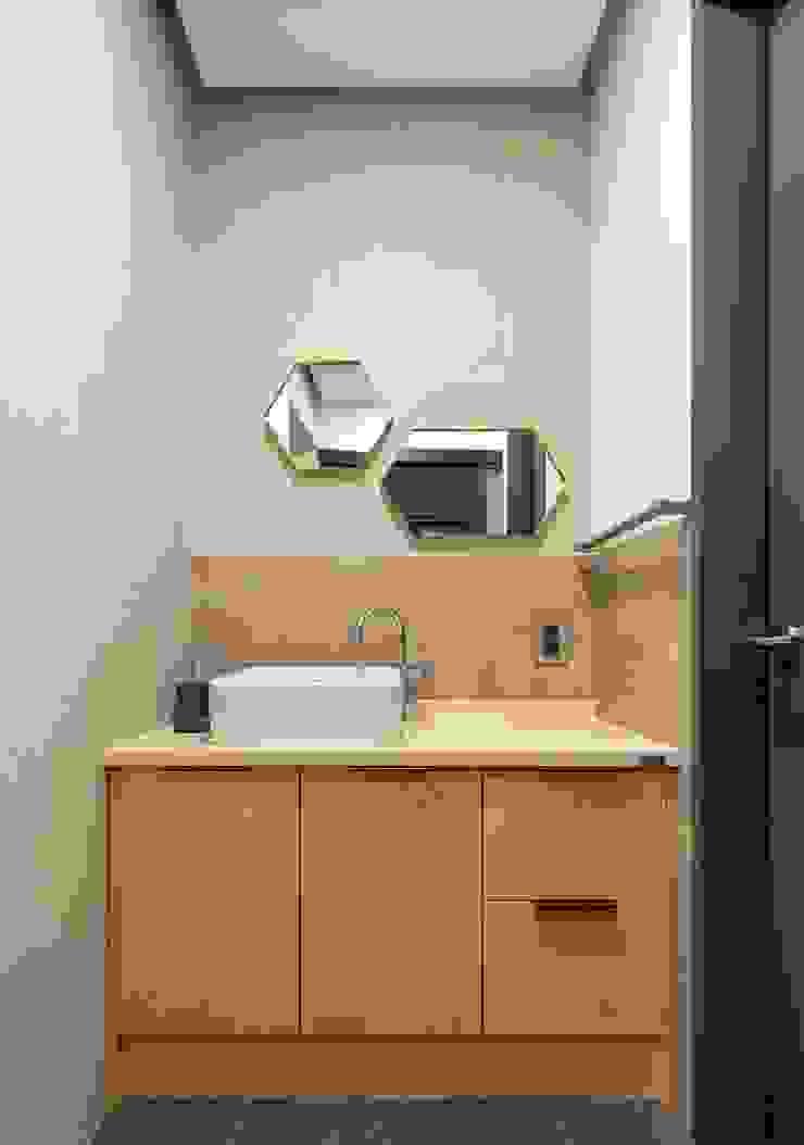 modern  by (주)건축사사무소 더함 / ThEPLus Architects, Modern