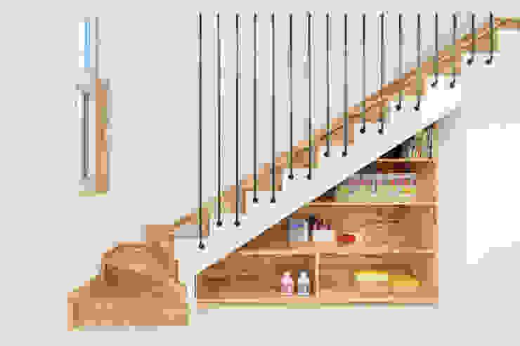 대전 탑립동주택 계단 by 주택설계전문 디자인그룹 홈스타일토토 모던 우드 우드 그레인