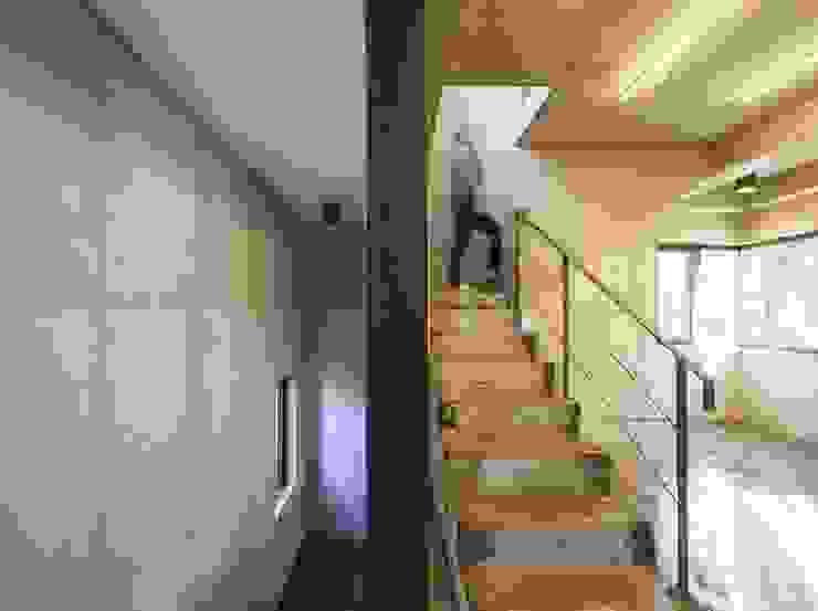 서교동 협소상가 '달고나' by (주)건축사사무소 더함 / ThEPLus Architects 모던