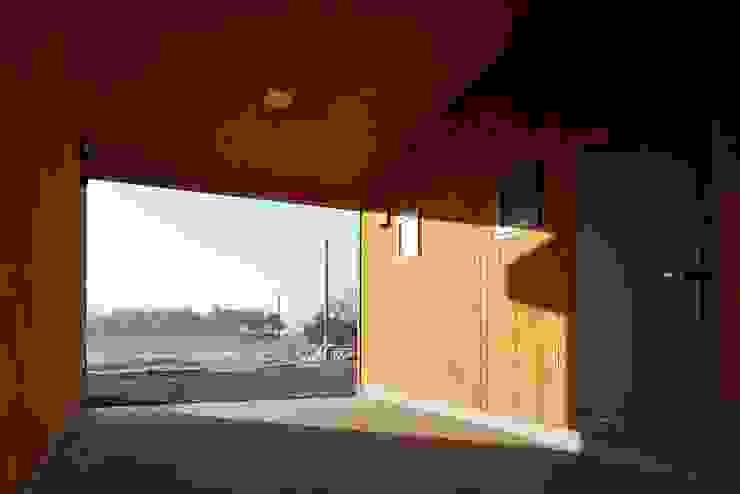 태안 신두리 해안 단독주택 '서리재' 컨트리스타일 주택 by (주)건축사사무소 더함 / ThEPLus Architects 컨트리