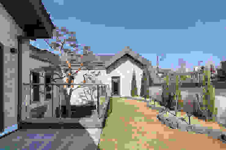Taman zen oleh 주택설계전문 디자인그룹 홈스타일토토, Modern Batu Bata