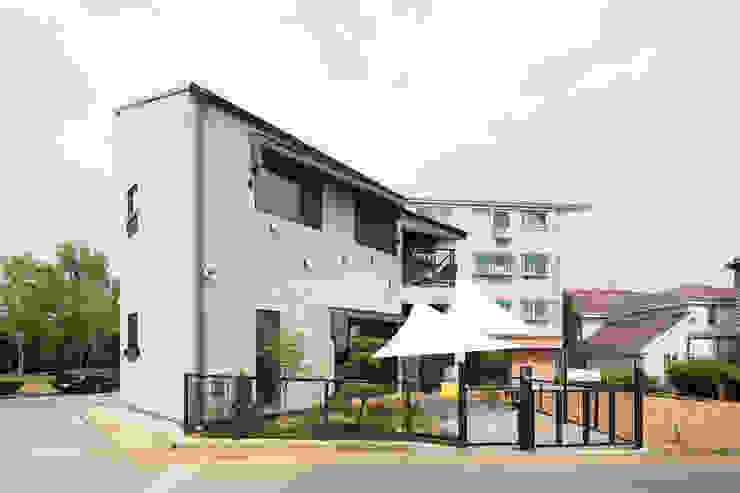 주택설계전문 디자인그룹 홈스타일토토 Wooden houses Tiles Grey