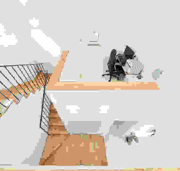 주택설계전문 디자인그룹 홈스타일토토 Stairs Solid Wood Wood effect