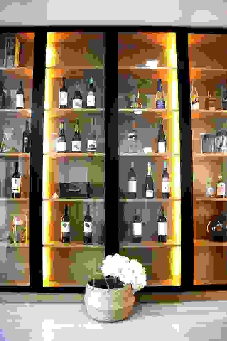 MIA arquitetos Bodegas de vino de estilo minimalista