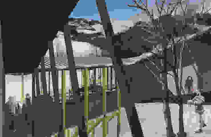 Refugio en la nieve Jardines de invierno estilo insdustrial de Logan Leyton Arquitectos Industrial Madera Acabado en madera