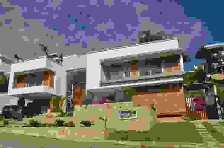 Casa 97A - Fachada Principal Casas modernas de TALLER 11 Arquitectos Moderno Ladrillos