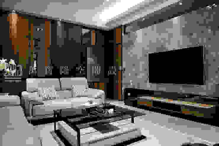 義鼎建設-富貴居/喬松苑 现代客厅設計點子、靈感 & 圖片 根據 SING萬寶隆空間設計 現代風