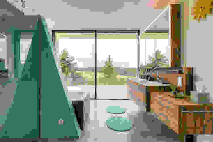 Modern Bathroom by Horst Steiner Innenarchitektur Modern Solid Wood Multicolored