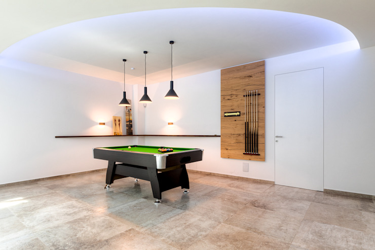 Modern Media Room by Horst Steiner Innenarchitektur Modern