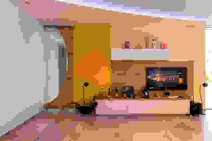 Modern Living Room by Horst Steiner Innenarchitektur Modern