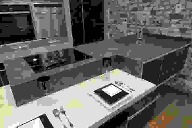 Modern Kitchen by Buk Design Leon Modern