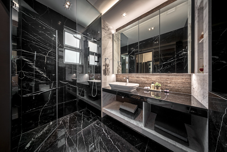 The Equatorial Modern bathroom by Summerhaus D'zign Modern
